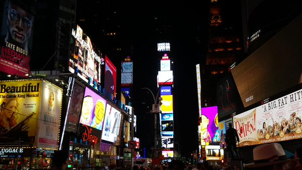 os-gemeos-times-square-midnight-moment (2)